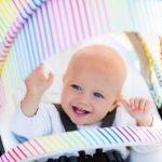 Kinderwagen mit Baby - Retro und Vintage Design